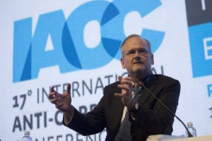 """Lawrence Lessig, Roy L. Furman Professor of Law in Harvard Law School, during the panel """"Time for equity"""" in the second day of 17th International Anti-Corruption Conference, IACC in Panama City, Panama, Friday, Dec. 2, 2016. (Mauro Pimentel)"""
