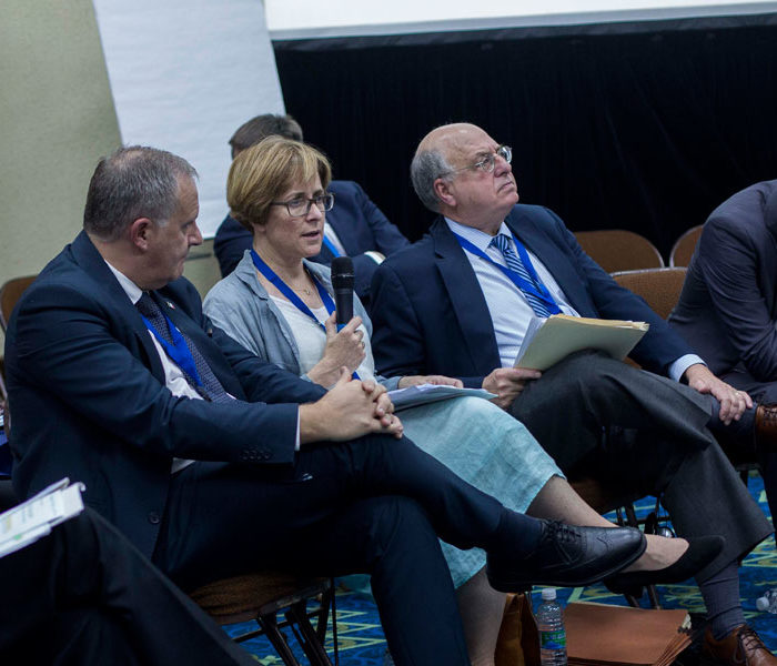 Experts call for international cooperation in fighting corruption