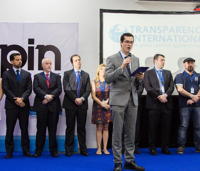"Brazilian ""Car Wash"" Prosecutors Threaten to Resign over Amendments to Corruption Law"