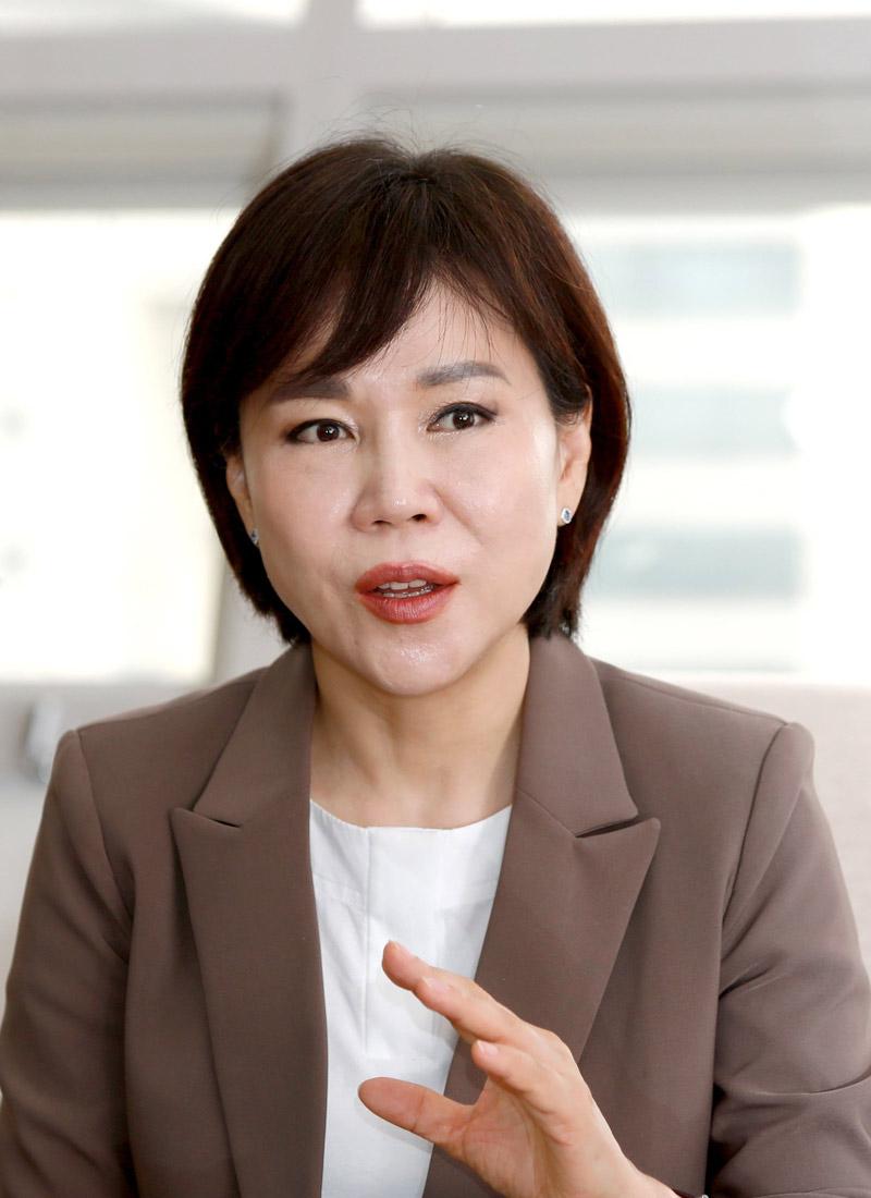 Jeon Hyun-Heui